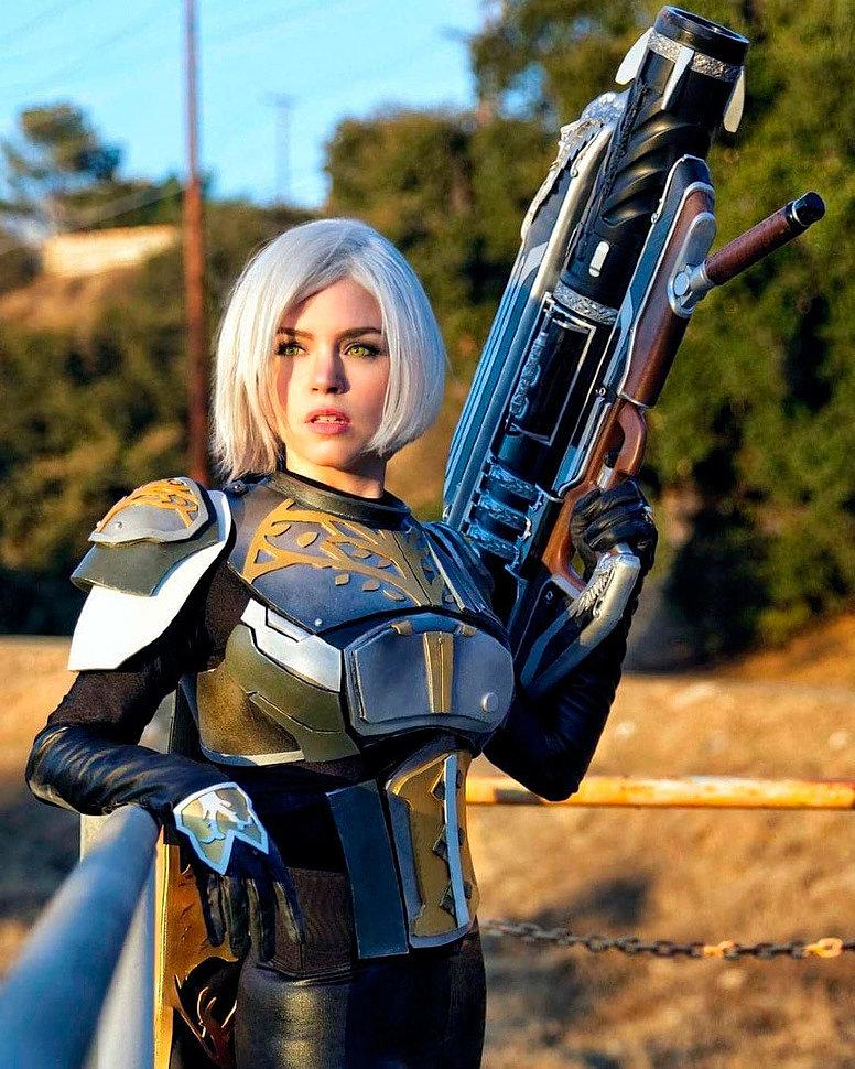 Cosplay: Hunter (Destiny) by Kirstin