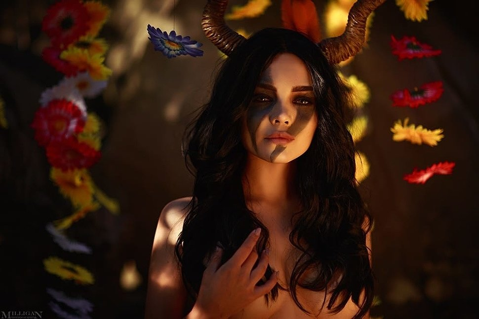 Russian Cosplay: Succubus (The Witcher 3: Wild Hunt)