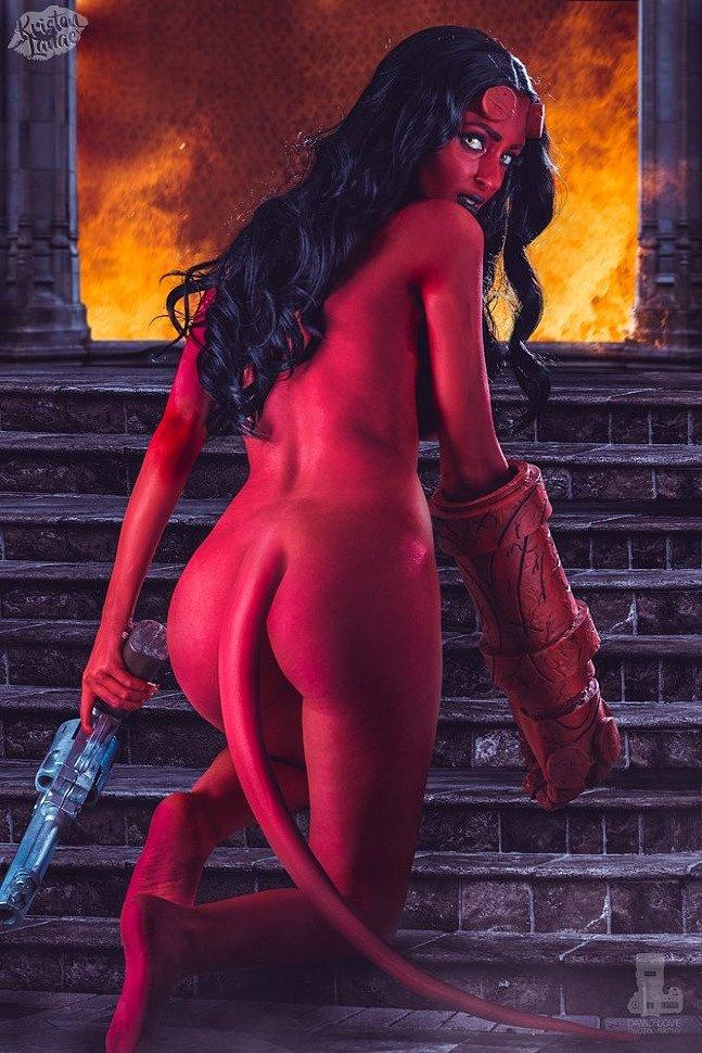 Cosplay: Hellgirl (Hellboy) by kristenlanaee