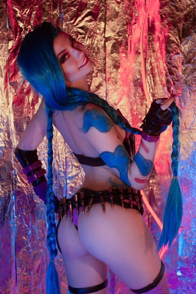 Russian Cosplay: Jinx (League of Legends) by CarryKey