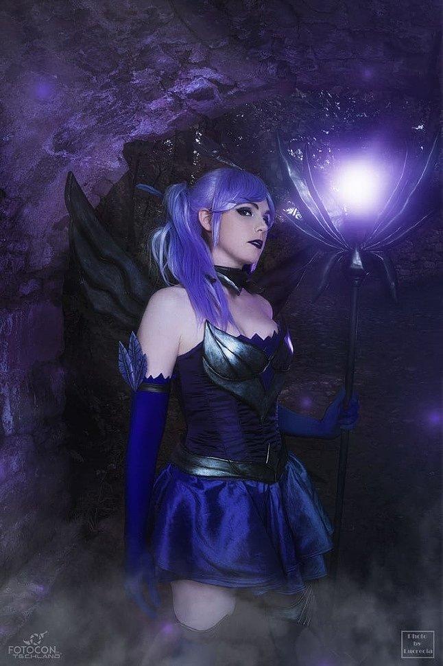 Russian Cosplay: Dark Lux (League of Legends)