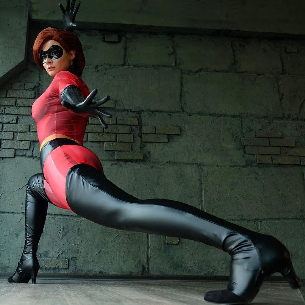 Russian Cosplay: Elastigirl (The Incredibles) by jannetincosplay