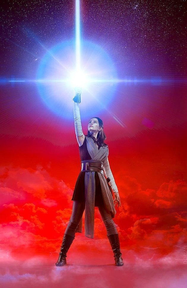 Russian Cosplay: Rey (Star Wars: The Last Jedi) by Karenscarlet
