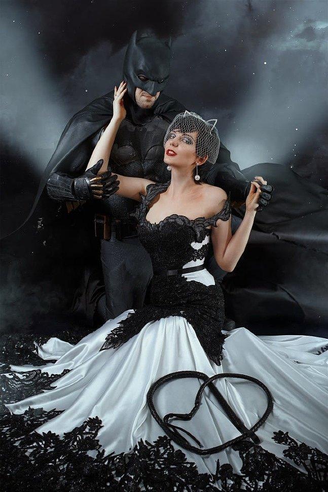 Russian Cosplay: Batman & Catwoman (DC Comics)