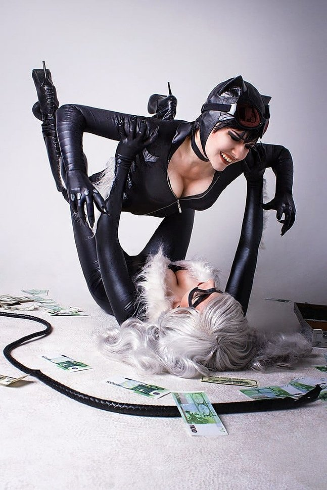 Russian Cosplay: Black Cat & Catwoman (Marvel / DC)