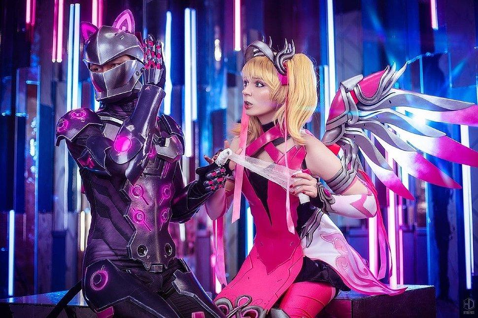 Russian Cosplay: Genji & Mercy (Overwatch) by Stassklass & Agflower Shu