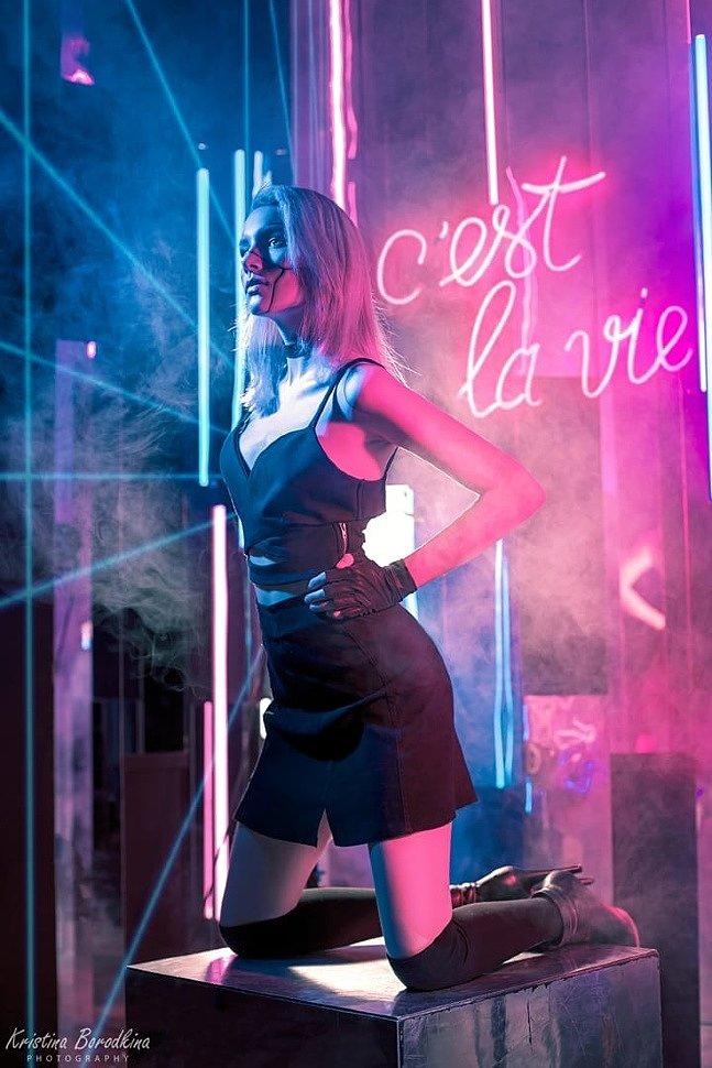 Russian Cosplay: Girl (Cyberpunk 2077)