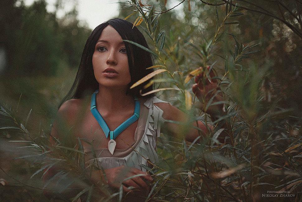 Russian Cosplay: Pocahontas by atashi karas
