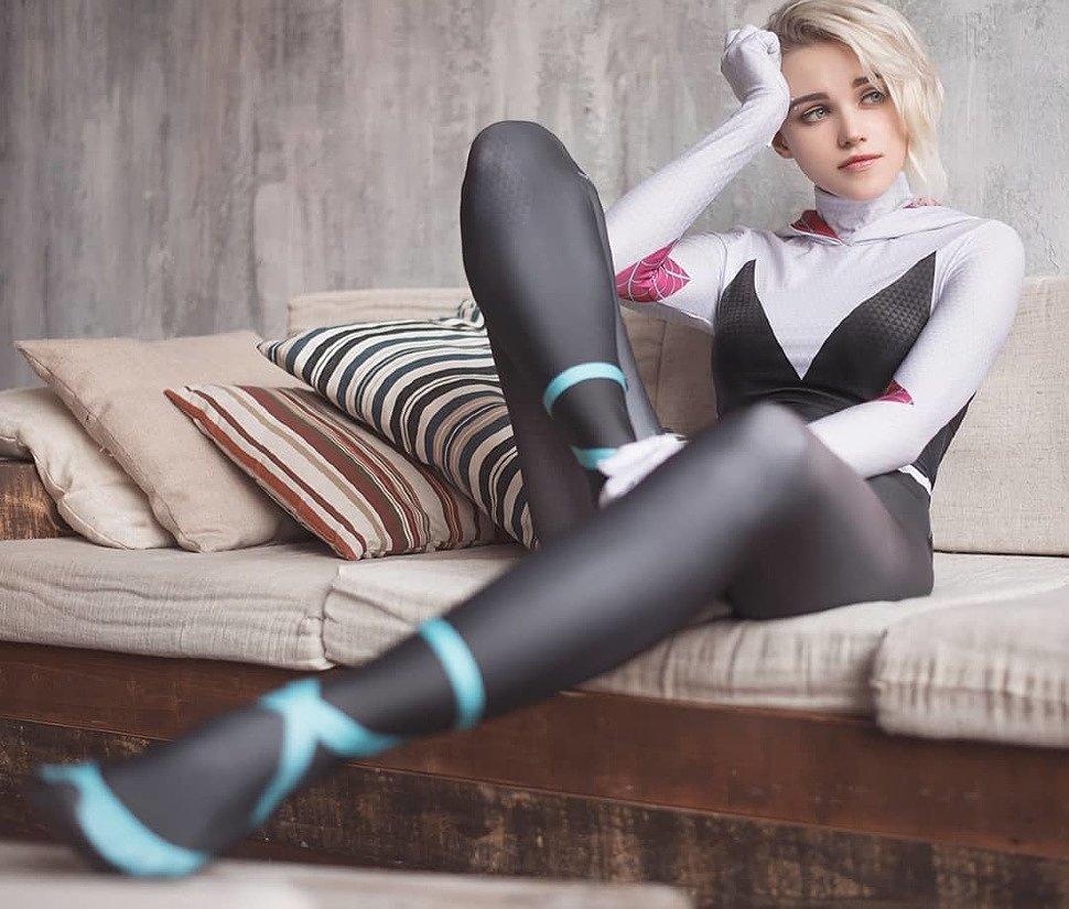 Russian Cosplay: Gwen Stacy (Spider-Man) by shirogane_sama