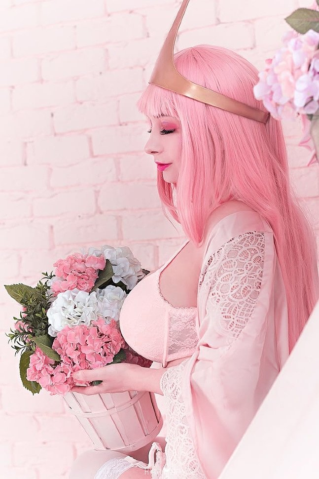 Russian Cosplay: Princess Bubblegum (Adventure time) by Olga Bazanova