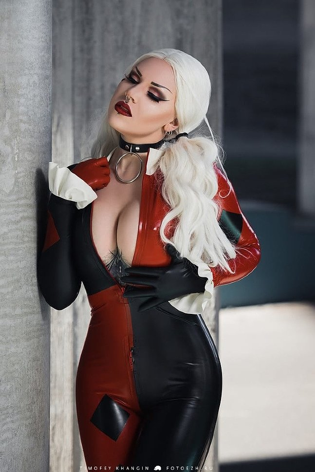 Russian Cosplay: Harley Quinn (DC Comics) by Necrinity
