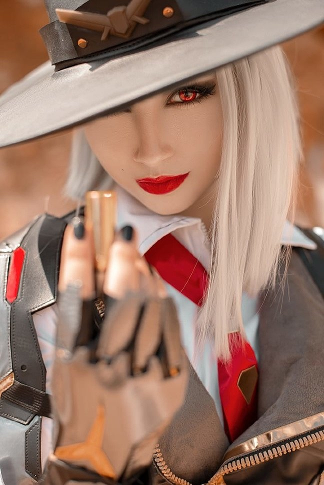 Russian Cosplay: Ashe (Overwatch) by Alyaska