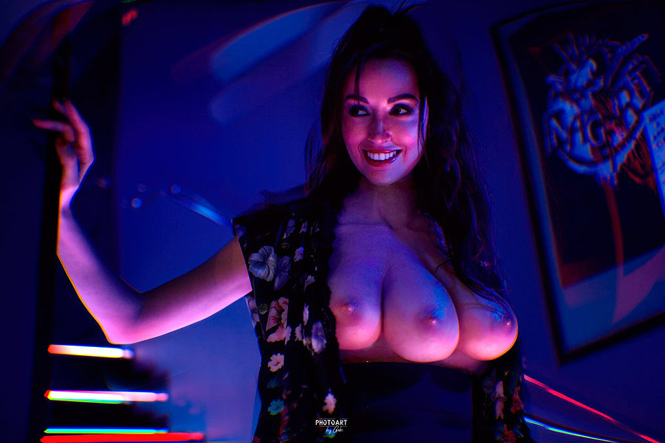 Russian Cosplay: Three-Breasted woman (Total Recall) by Himera (NSFW)