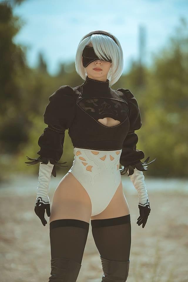 Cosplay: 2B (NieR: Automata) by Enji Night