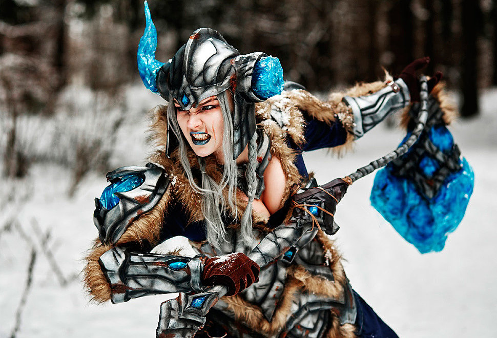 Russian Cosplay: Sejuani (League of Legends)