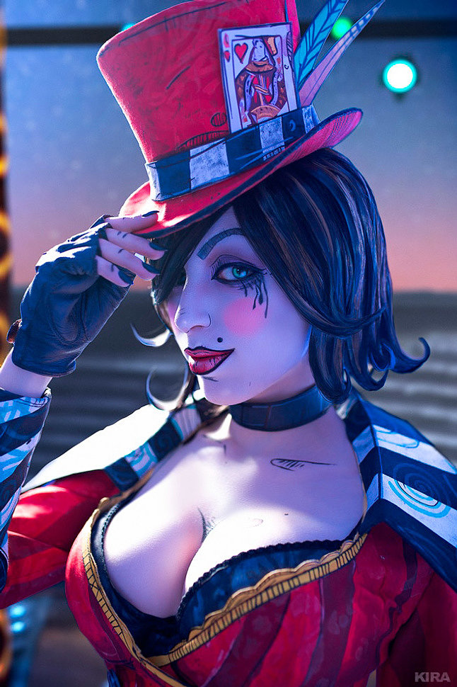 Russian Cosplay: Mad Moxxi (Borderlands) by Daria Rooz