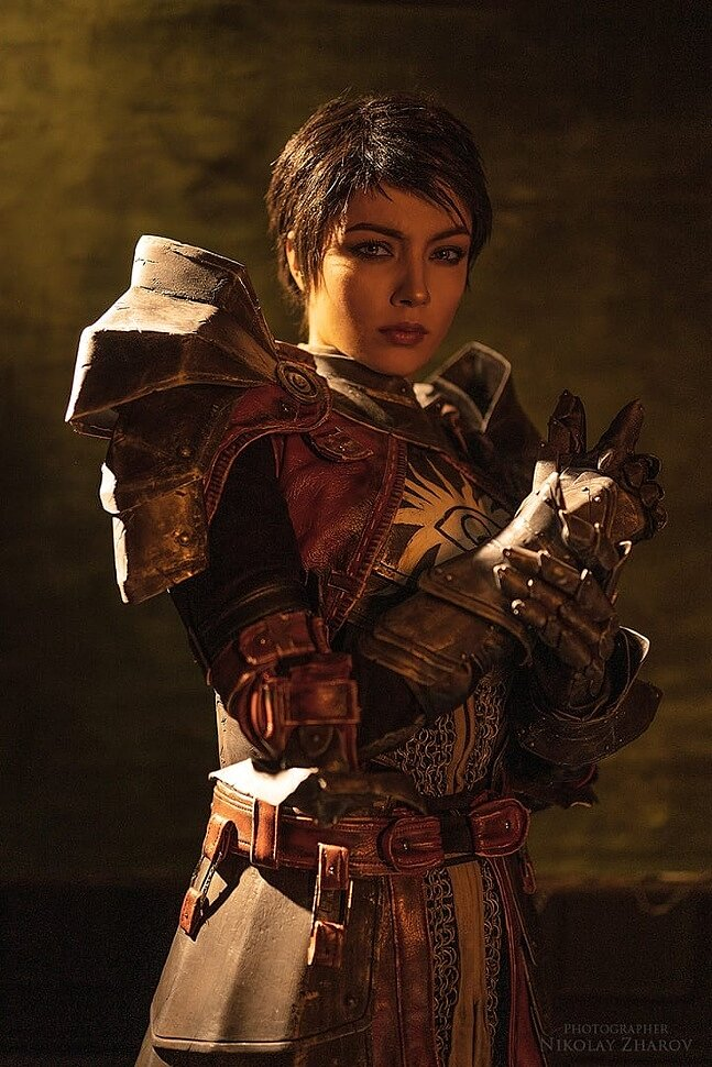 Russian Cosplay: Cassandra Pentaghast (Dragon Age II) by Dark Incognito