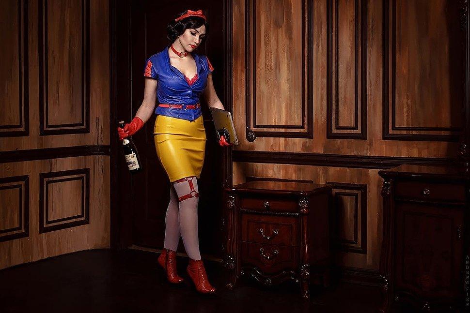 Russian Cosplay: Snow White (Disney)