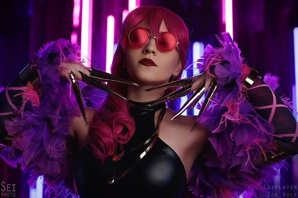 Russian Cosplay: K.DA Evelynn (League of Legends) by Zoe Volf