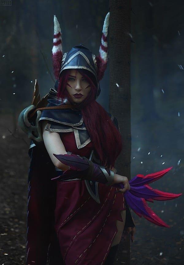 Russian Cosplay: Xayah (League of Legends) by Leya Shion
