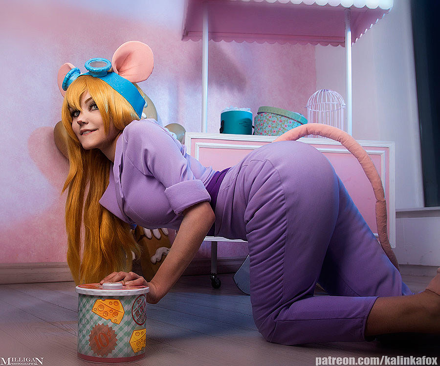 Russian Cosplay: Gadget (Chip and Dale)