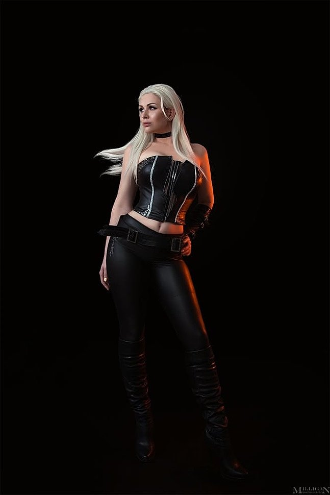 Russian Cosplay: Trish (Devil May Cry 4)