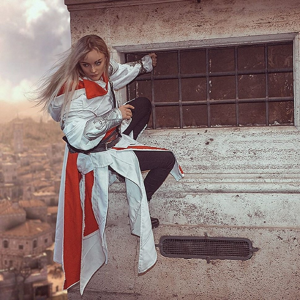 Russian Cosplay: fem ver. Ezio Auditore (Assassins Creed) by katssby