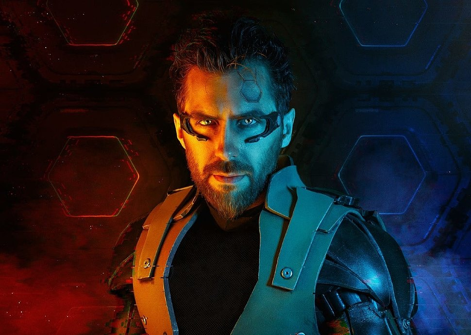 Russian Cosplay: Adam Jensen (Deus Ex: Human Revolution)