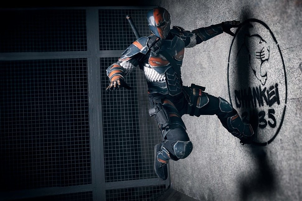 Russian Cosplay: Deathstroke (DC Comics)