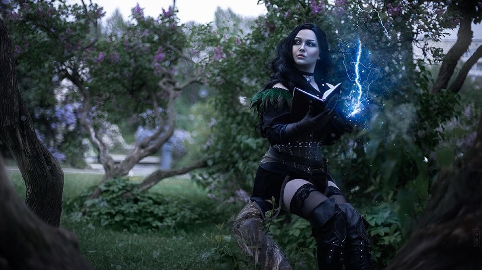 Russian Cosplay: Yennefer of Vengerberg (Witcher 3: Wild Hunt) by Milena Hime 18+
