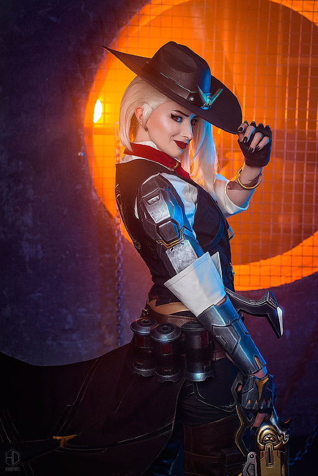 Russian Cosplay: Ashe (Overwatch)