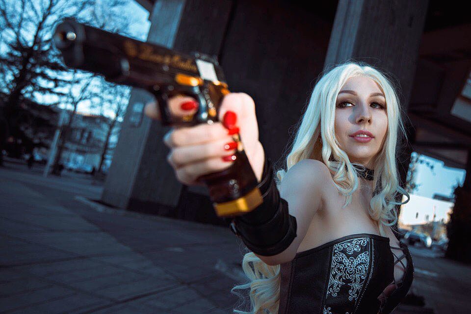 Russian Cosplay: Trish (Devil May Cry 5)