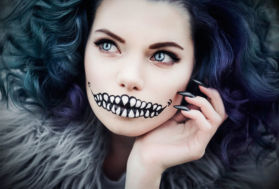 Russian Cosplay: Cheshire Cat (Alice in Wonderland)