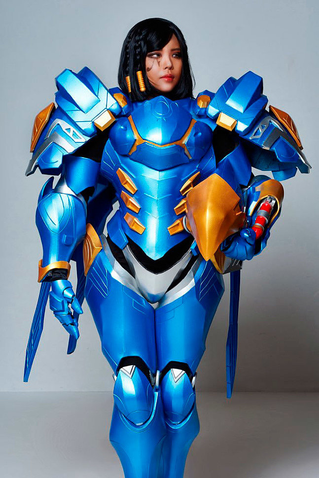 Cosplay: Pharah (Overwatch) by OZ Cosplay