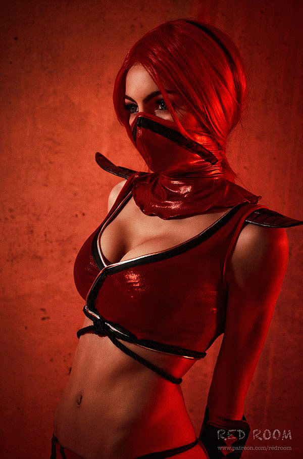 Russian Cosplay: Skarlet (Mortal Kombat)