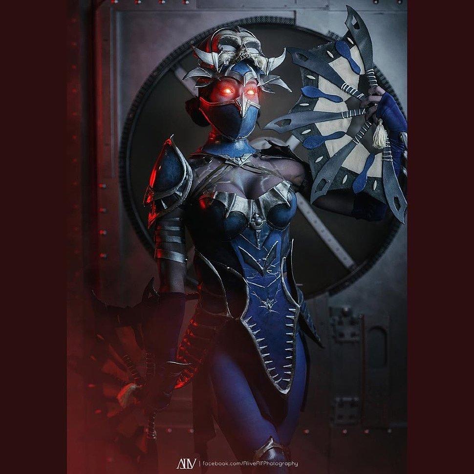 Cosplay: Kitana (Mortal Kombat) by aliciamariebody