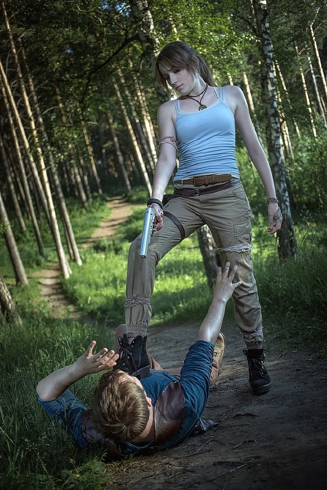 Russian Cosplay: Lara Croft & Nathan Drake (Tomb Raider vs Uncharted)