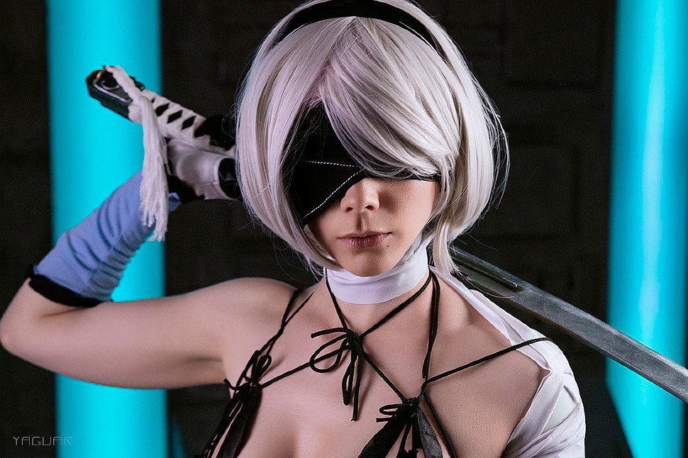Russian Cosplay: 2B (Kaine Outfit) (NieR: Automata)