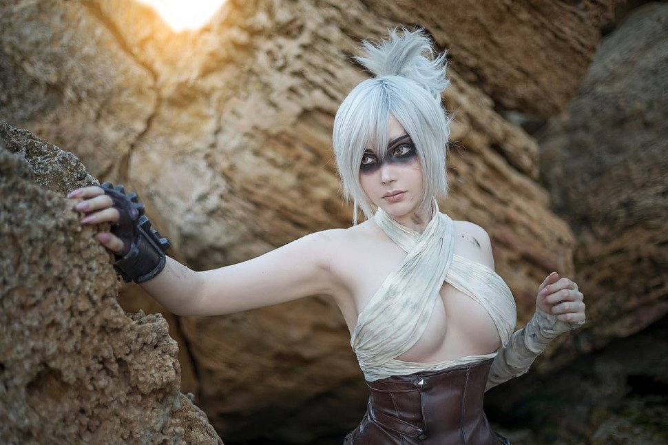 Cosplay: Riven (League of Legends) by Sayathefox