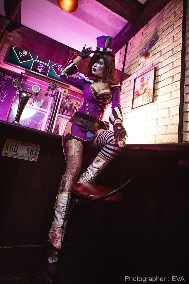 Russian Cosplay: Mad Moxxi (Borderlands 2) by Neo Geisha