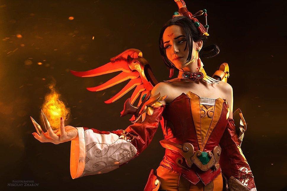 Russian Cosplay: Genji & Mercy (Overwatch)