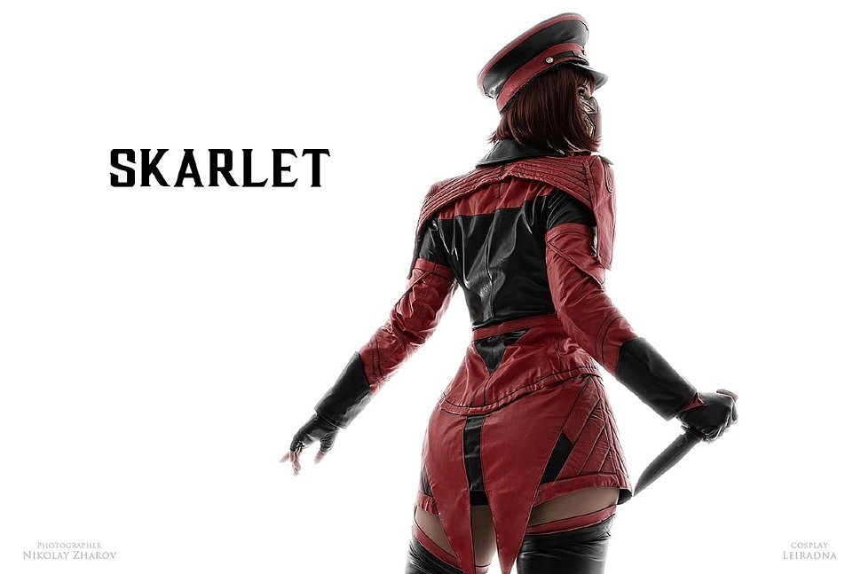 Russian Cosplay: Jade & Skarlet (Mortal Kombat 11)