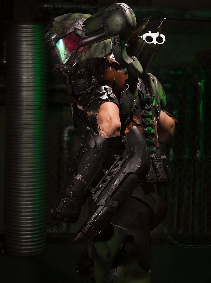 Russian Cosplay: DoomGuy (Doom) by Oduvan