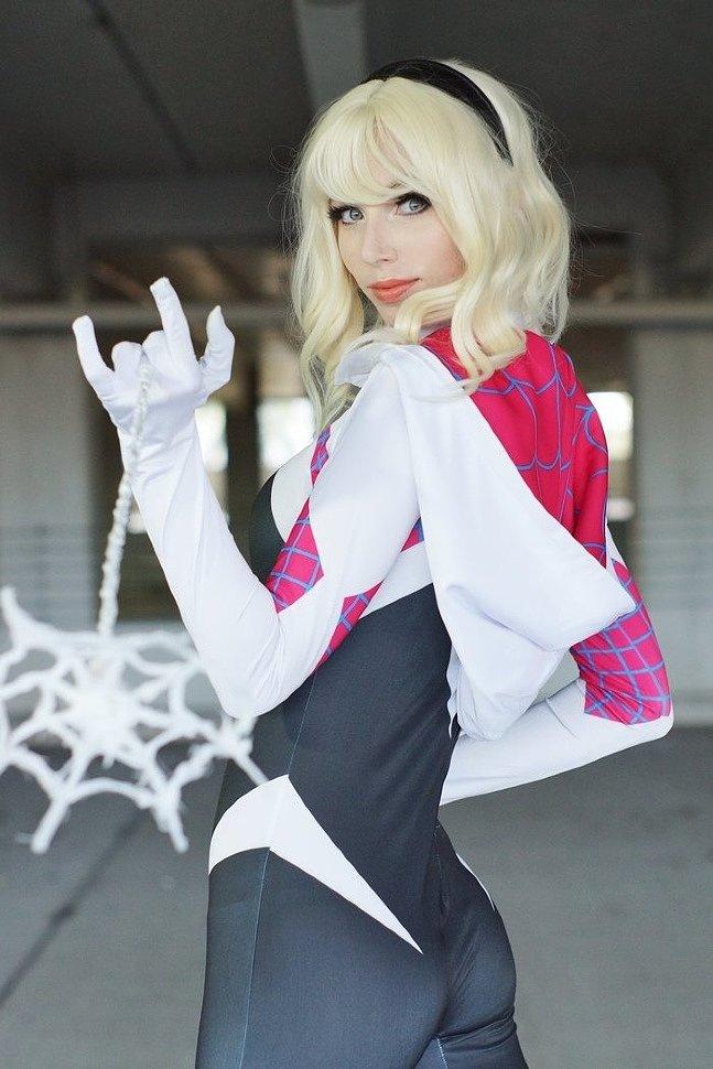 Cosplay: Gwen Stacy (Spider-Gwen) by starbuxx