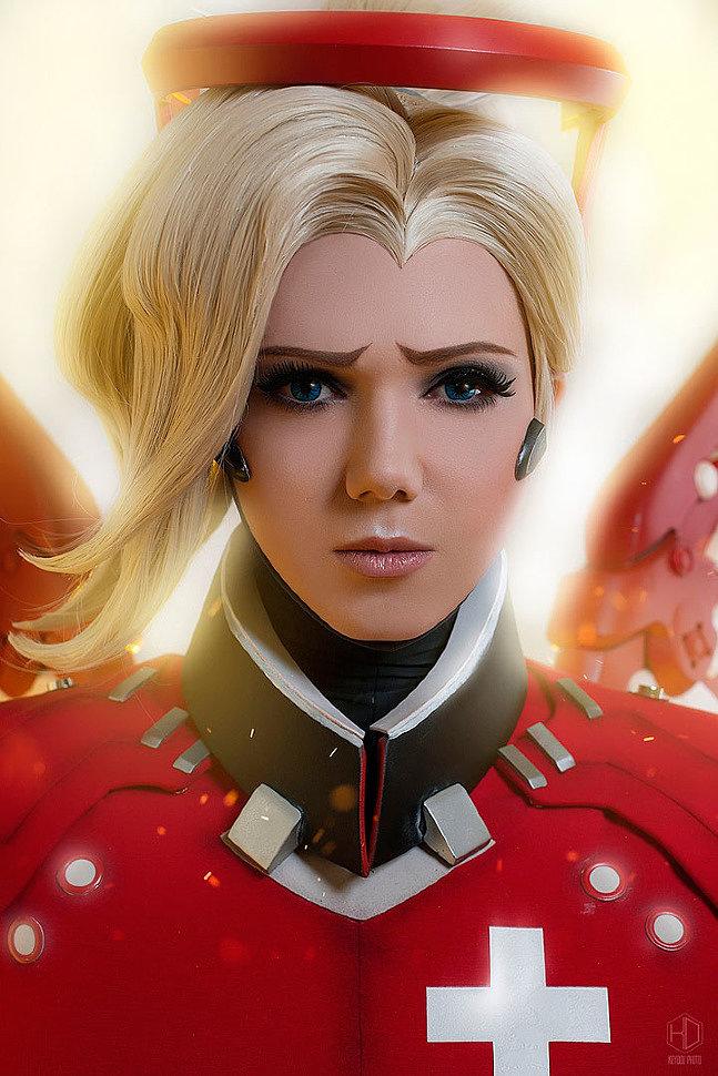 Russian Cosplay: Mercy (Eidgenossin skin) (Overwatch)