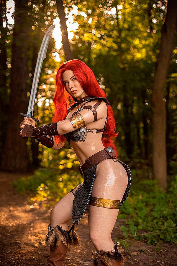 Russian Cosplay: Red Sonja by Anastasya Zelenova