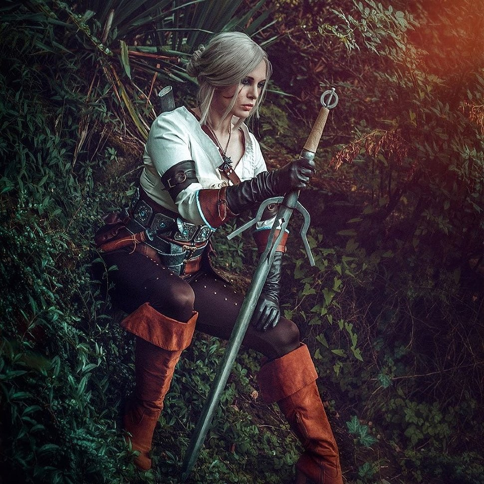 Cosplay: Ciri (Witcher 3) by Monono