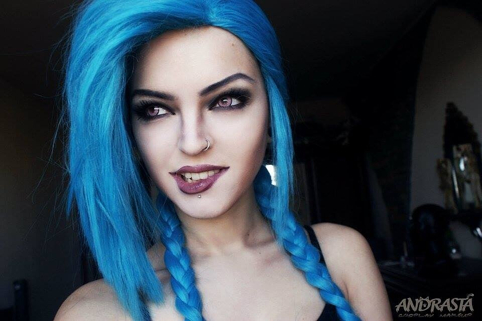 Cosplay: Jinx (League of Legends) by Andrasta