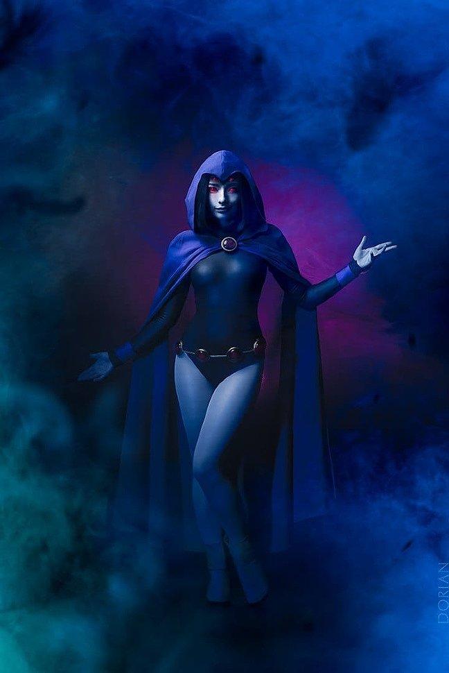 Russian Cosplay: Raven (Teen Titans)