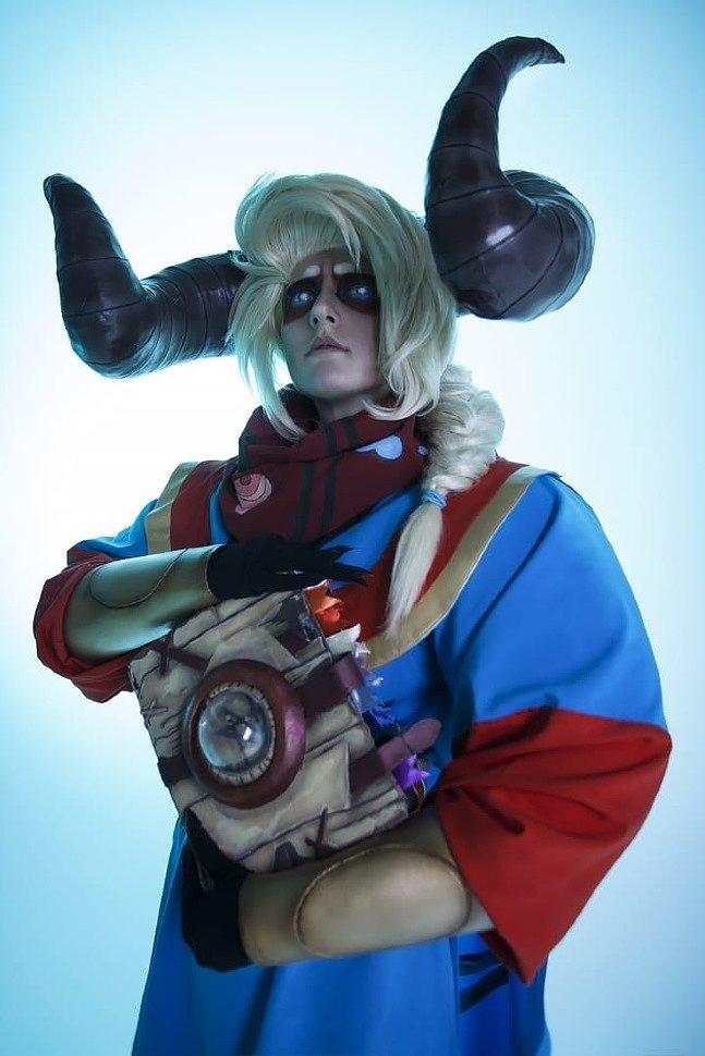 Russian Cosplay: Jodariel (Pyre)